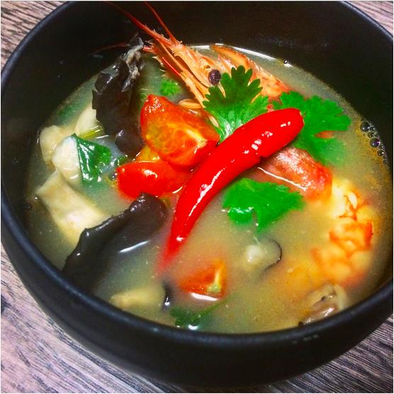 """本格""""Tom yum goong(ต้มยำกุ้ง)トムヤムクン""""!!世界三大スープの一角!!本格レシピ!!"""