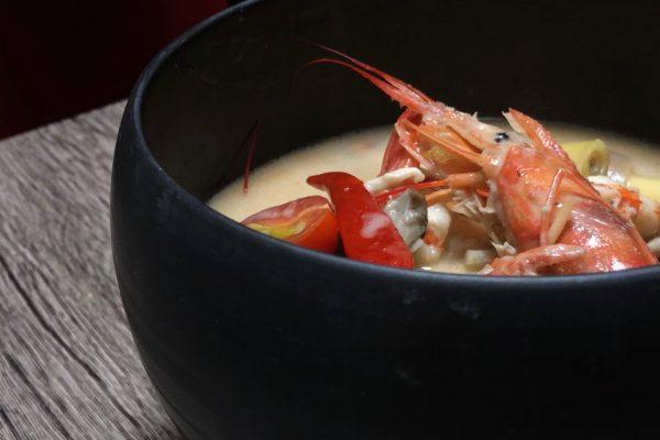 """""""Tom ka goong(ต้มข่ากุ้ง)トムカークン""""!海老とガランガルのココナッツミルクスープ!!"""