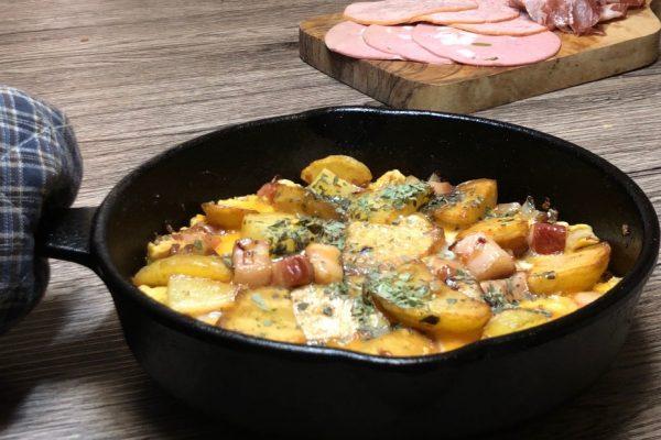 Bauernfrühstück:農夫の朝食(ドイツ風ジャガイモのオムレツ)